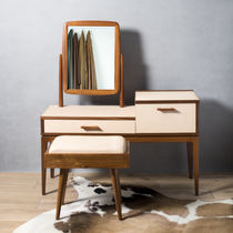 Contemporary dressing table / wooden / leather / for hairdressers