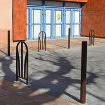 Protective barrier / fixed / steel / for public spaces