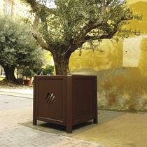 Metal Versailles planter / for public spaces