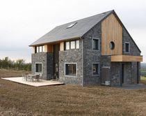 Prefab house / passive / log / contemporary