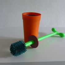 Plastic toilet brush / floor