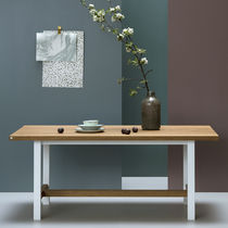Contemporary dining table / oak / powder-coated steel / rectangular