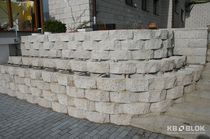 Solid concrete block / for retaining walls / high-resistance
