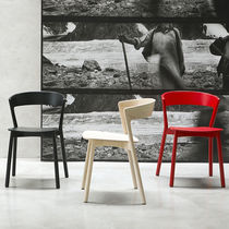Contemporary chair / stackable / beech / solid wood