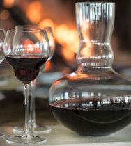 Wine glass / stemware