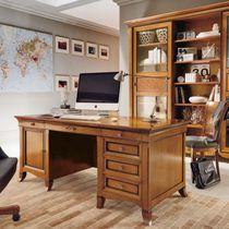 Cherrywood desk / traditional