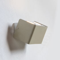 Contemporary wall light / for wet rooms / outdoor / metal