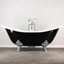 Bathtub with legs / oval / cast iron / glass
