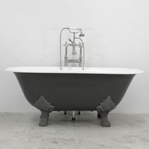 Bathtub with legs / oval / steel / cast iron