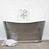 Freestanding bathtub / oval / cast iron