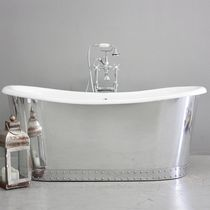 Freestanding bathtub / oval / cast iron / stainless steel