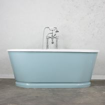 Freestanding bathtub / oval / cast iron / double