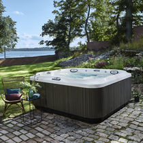 Above-ground hot tub / square / 6-seater / 7-seater