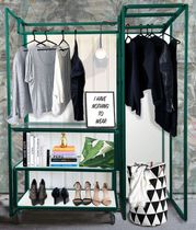 Contemporary entrance wardrobe