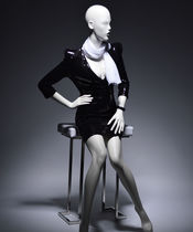 Female display mannequin / stylized / seated