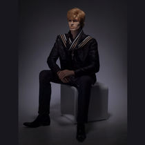 Male display mannequin / realistic / seated