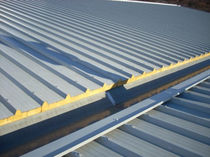 Roof sandwich panel / metal facing / polyurethane (PUR) core