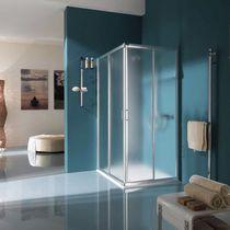 Sliding shower screen / corner