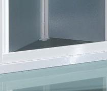 Folding shower screen / for alcoves