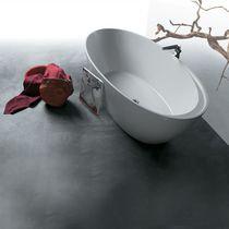 Free-standing bathtub / oval / porcelain
