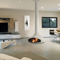 Wood-burning fireplace / contemporary / open hearth / central