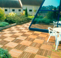 Wooden grating / for exterior flooring