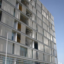 Facade wire mesh / solar shading / stainless steel / square mesh