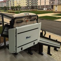 Handicapped platform stair lift / inclined / outdoor
