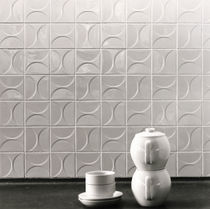 Floor tile / ceramic / geometric pattern / 3D