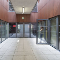 Entry door / swing / aluminum / automatic