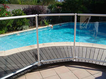 Protective barrier / fixed / aluminum / pool