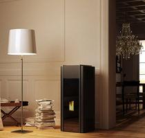 Pellet heating stove / contemporary / steel / cast iron