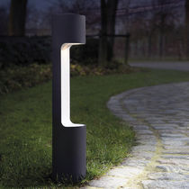 Garden bollard light / contemporary / metal / halogen