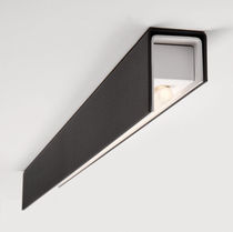 Surface-mounted light fixture / fluorescent / linear / IP20