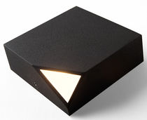 Contemporary wall light / polycarbonate / LED / square
