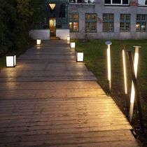 Contemporary light column / aluminum / fluorescent / outdoor