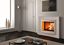 Wood fireplace / contemporary / closed hearth / built-in