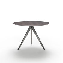 Contemporary dining table / lacquered wood / solid wood / metal