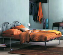 Double bed / traditional / aluminum