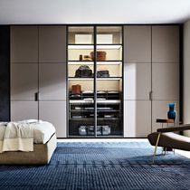 Wall-mounted walk-in wardrobe / contemporary / aluminum / with hinged door