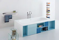 Bathtub with integrated cupboards