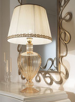 Table lamp / traditional / brass / borosilicate glass