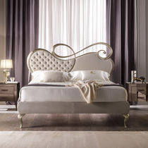 Double bed / traditional / upholstered / wood