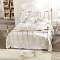 Double bed / traditional / iron / aluminum