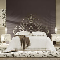 Double bed / traditional / iron