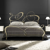 Double bed / New Baroque design / wrought iron / 160x200 cm