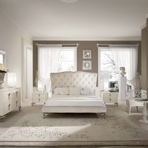Double bed / New Baroque design / upholstered / with headboard
