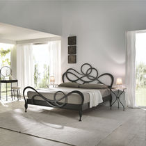 Double bed / New Baroque design / with headboard / wrought iron