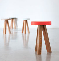 Scandinavian design stool / oak / solid wood / MDF
