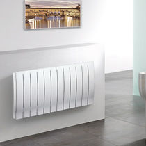 Hot water radiator / horizontal / metal / wall-mounted
